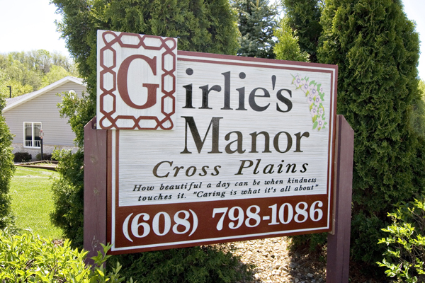 Welcome to Girlies Manor Cross Plains